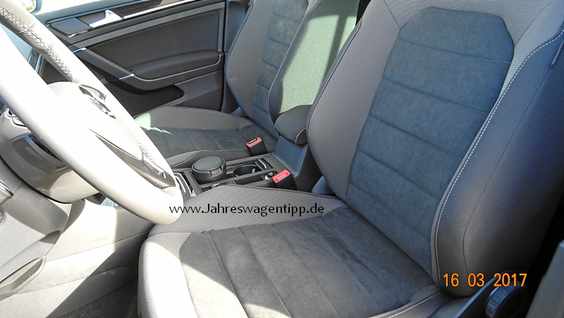 VW Golf 7 Facelift Highline DSG 92 KW (neues Modell) ACC Navi LED Panoramadach Jahreswagen