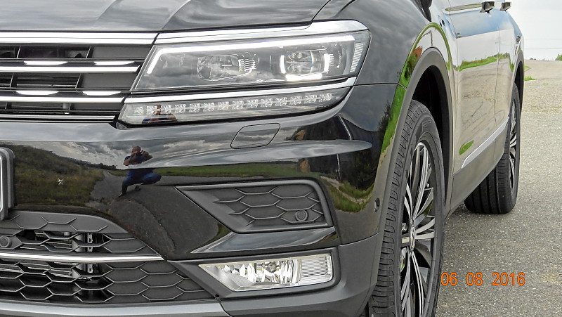 VW Tiguan Highline 4Motion DSG TDI 140 KW (neues Modell) ACC Navi AHK LED Panoramadach Jahreswagen